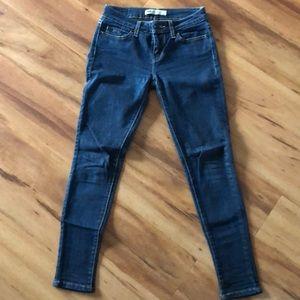 Levi's 535 legging skinny jean